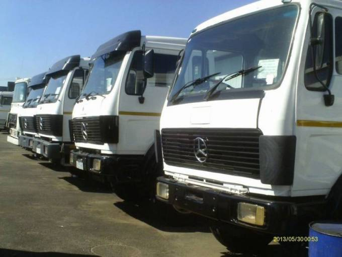 Truck and Bakkia for hire | Local furniture movers