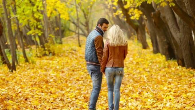 Dehradun Escorts Follow Non-Verbal Tricks to Attract Males